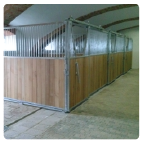 Boxen für Pferde